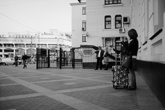 untitled (Anton Zabermach) Tags: nikonfe2 nikkor 50mmf18ai film analog 35mm bw blackandwhite ilford fp4 city street selfdeveloped microphen