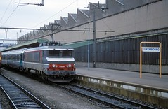 15061  Luxembourg  12.08.02 (w. + h. brutzer) Tags: luxembourg eisenbahn eisenbahnen train trains frankreich france railway elok eloks lokomotive locomotive zug 15000 sncf webru analog nikon