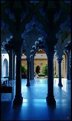 La Aljafería de Zaragoza. (antonio santana SA) Tags: aljafería zaragoza azul palacio