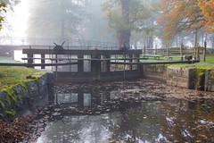 The old Lock in autumn (Mannematte) Tags: autumn water vrmland fall october outdor lock nature