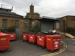 Hayes station (looper23) Tags: hayes red star parcels kent railway station train october 2016 london