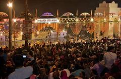 INDIEN, india, Varanasi (Benares),  Puja am Abend, an dem Dasaswamedh Ghat, 14394/7267 (roba66) Tags: indienvaranasibenarespujasamabend ritual pujanight abends indien indiennord asien asia india inde northernindia urlaub reisen travel explore voyages visit tourism roba66 city capital stadt cityscape benares varanasi dasaswamedhghat pilgerstadt pilger hindu hindui menschen people indianlife indianscene history brauchtum indiansequence
