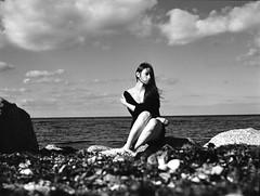 (Juliet Alpha November) Tags: ilford delta 100 analogue analog film rollfilm medium format mittelformat 120 645 bw sw portrait portrt outdoor ostsee baltic sea ocean meer clouds wolken water wasser salvaje model jan meifert