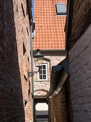 Altstadt von Lbeck (10) (Teelicht) Tags: architektur deutschland germany hinterhof schleswigholstein architecture backyard lbeck altstadt historicdistrict oldtown schornsteinfegergang