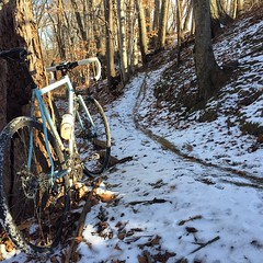 Finally got out for ride!! Complete mental meltdown averted!  #score #weavercycleworks #custombicycles #rideinthesnow