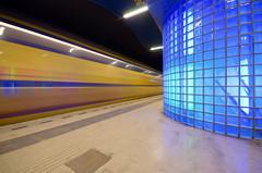 Station Blaak (remcoswiers) Tags: station rotterdam blauw blaak perron ns rail stad trein spoor intercity spoorwegen beweging openbaarvervoer vervoer treinstation sluitertijd verlichting infrastructuur rotterdamblaak ondergronds