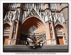A las puertas del cielo - Diaz De Vivar Gustavo (Diaz De Vivar Gustavo) Tags: de la los catedral plata pies vista fachada felices pascuas lavar diazdevivargustavo