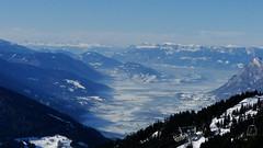 La vallée de l'Isère avec le massif de la Chartreuse et le Vercors au fond depuis le mont Bisanne (Dimouva) Tags: mountain snow alps montagne alpes chartreuse neige vercors 2015 saisies isère bisanne