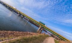 IMGP2310-Modifier (Stéphane Sélo Photographies) Tags: pentax pont ponton fleuve saône k30