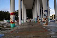 _DSC4252 (Parrasgo) Tags: urban streetart art blanco trash graffiti agua reflejo basura rubbish napoli fiore velas napoles escondido lavadoras pobreza secondigliano nascosto neveras camorra scampia gomorra