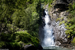 Cascade de la Pisse de Lanchatra (Quentin Douchet) Tags: alpes alpesfranaises alps eau frenchalps oisans parcnationaldescrins cascade parcdesecrins valleduvnon water waterfall