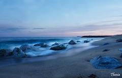 Premi de Mar (Gatodidi) Tags: premi de mar maresme catalunya catalua playa rocas olas seda nikon d90 paisaje paisatje landscape