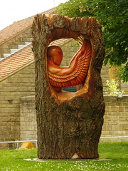 The angel at Lythe (petefreeman75) Tags: angel carving wood tree whitby trunk lythe northyorkshire northyorkshirecoastline yorkshire