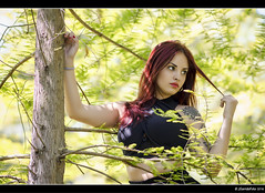 Miriam - 1/4 (Pogdorica) Tags: modelo sesion retrato posado miriam parque tattoo pelirroja chica