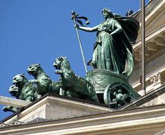 Frankfurt, Opernplatz, Alte Oper, Quadriga (Old Opera) (HEN-Magonza) Tags: frankfurt hesse hessen deutschland germany opernplatz alteoper oldopera quadriga pantherquadriga