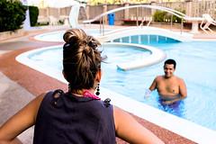 Miradas. (DaFT95) Tags: life summer sun color cute love water pool smile fun navidad photo day looking amor colorfull live venezuela piscina caracas splash vargas da find chrismas roja sumer enamorados composicion composicin guaira