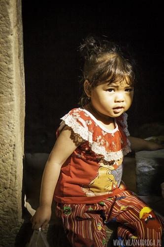 Dziewczynka napotkana w Angkor W