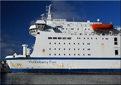 """Das Fhrschiff """"Huckleberry Finn""""  beim  Einlaufen  in  Travemnde (Ostseetroll) Tags: ferry geotagged deutschland balticsea lbeck ostsee deu schleswigholstein huckleberryfinn fhrschiff lbecktravemnde olympusem10 geo:lat=5395632964 geo:lon=1087383589"""