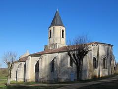 Eglise de Saint-Symphorien (XIIe), La Gripperie (17) (Yvette G.) Tags: 17 église achitecture saintonge charentemaritime poitoucharentes artroman saintsymphorien lagripperie