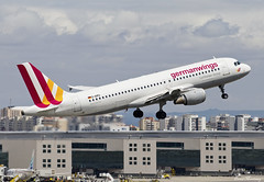 Germanwings A320-200 D-AIPU (birrlad) Tags: lisbon lis international airport portugal aircraft aviation airplane airplanes airline airliner airlines airways takeoff departing departure rotate climbing airborne airbus a320 a320200 a320211 daipu germanwings germany 4u603 gwi603 cologne