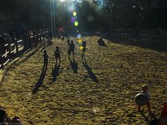 9271-1 (franciscogutierrez4) Tags: light luz cores photo foto photographer photographie image juegos colores bolas pelotas fotografia fotgrafo imagen chicos imagem descouleurs delalumire
