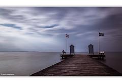eine Minute Ostsee (geka_photo) Tags: gekaphoto stein schleswigholstein deutschland ostsee wasser himmel wolken badesteg badehuschen steg langzeitbelichtung lzb
