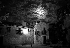 Pedraza (jesusguo) Tags: pedraza nocturna