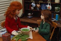1.  Shucking peas (Little little mouse) Tags: dollstown ganga megan dt7 maskcat nerine karenza bjd sd dollfie customfaceup cedarheart lynnknit