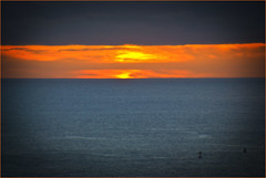 Honolulu (HI)  Sunset from Waikiki October 2014 (Ron Cogswell) Tags: sunset honoluluhi waikikisunset roncogswell honoluluhisunsetfromwaikikibeach castlewaikikishorebeachfrontcondominium