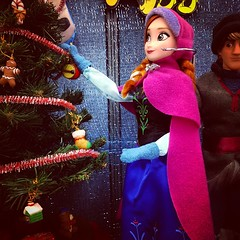 Decorating the tree #frozen #disney #disneystore (Dementor92) Tags: square squareformat hudson iphoneography instagramapp uploaded:by=instagram