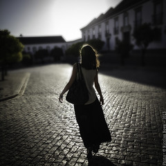 La danse du soleil (Nico Nova) Tags: woman portugal square faro squareformat colourphoto filmforever