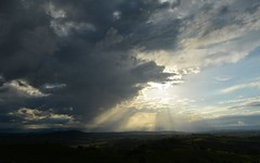 leave with the light (dustaway) Tags: sun nature clouds countryside australia nsw australianlandscape cloudscape sunbeams lateafternoon clarencevalley ruralaustralia northernrivers rurallandscape mallanganee sunlightthroughclouds sunandcloud australianweather afternoonlandscape