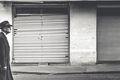 Einsam (Martin.Matyas) Tags: people france canon frankreich urlaub montpellier menschen roland sw schwarzweiss markus reise eos7d