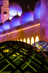 Sheik Zayed Grand Mosque - Abu Dhabi - 16 (coopertje) Tags: architecture evening gulf nightshot mosque emirates abudhabi unitedarabemirates grandmosque moskee sheikzayed sheikzayedgrandmosque