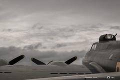 (jonathan_ed1984) Tags: iwm duxford flyinglegends airshow 2016 duxfordflyinglegends vintage bomber wwii usaf radial prattwhitney boeing sallybboeingb17fortressflying sallyb flyingfortress b17g jonathanwintlephotography canon 7dmkii aviation aviationlovers aviationlover aviationgeek avporn avgeek