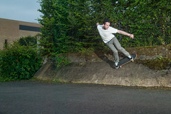 Wallride (BLKYRD) Tags: canon eos nikon skateboarding 1d atlas universitt osnabrck wallride osnabrueck sb25 pocketwizard phottix minitt1