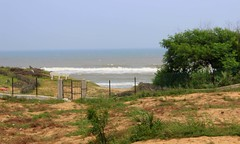Beauty of the sea (Amby2506) Tags: sea goldensea seabeach baruva haritharesort andhrapradesh india fire waves