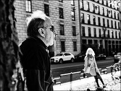 'twas a sunny day (Hasse Linden) Tags: streetphotography stockholm sweden hair sun street