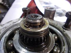 Knackered circlip (37114) Tags: fairey overdrive rebuild