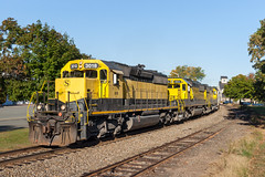 The Wyckoff Curve (sullivan1985) Tags: train railroad railway morning nysw susquehanna susieq newyorksusquehannawestern southerndivision su100 ws2 emd electromotive sd402 sd60 nysw3018 nysw3806 nysw3808 yellowjacket yellow wyckoff newjersey nj bergencounty eastbound freight freighttrain autumn