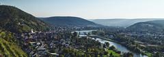 Blick auf die Mainebene und Klingenberg (ttundh) Tags: main weinberg klingenberg clingenburg panorama