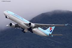 Korean Air (KE/KAL) / A330-323 / HL7553 / 05-26-2012 / HKG (Mohit Purswani) Tags: korea seoul tungchung lantau wingtipvortices vortices jetphotos jetphotosnet ahkgap koreanair ke kal a330 a333 a330300 airbus airbusindustrie airbusa330 airbusa330300 hl7553 hkg hkia clk vhhh hongkong hongkonginternationalairport cheklapkok widebody widebodyaircraft civilaviation commercialaviation spotting planespotting photography aviationphotography departure takeoff 07r 7d canon7d 100400 airlines aircraft flight transportation