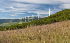 Le viaduc de Millau (greg02100) Tags: bridge france canon super pont tarn millau viaduc aveyron marumi dhg ef1740lusm