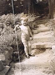 Little Boy Richard (TrueVintage) Tags: boy bw stairs 1936 1930s kid child kind treppe oldphoto sw foundphoto knick stufen vintagephoto vintagekid latzhose vintageboy