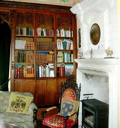 Library/den