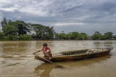 Membersihkan Sungai Cisadane - 9819 (franciscus nanang triana) Tags: boy people river photo foto perahu anak triana sungai nanang franciscus lakilaki lingkungan sampah cisadane membersihkan
