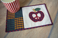 lovePeace (3patch) Tags: love apple valentine applique checked mugrug