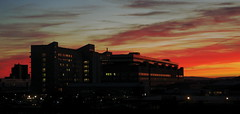 Abendrot (Bert Ungerer) Tags: sunset dusk hannover architektur dmmerung brutalism abendrot mhh abenddmmerung roderbruch brutalismus medizinischehochschule pentaxda18135