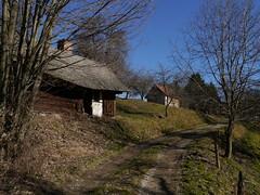 Verlassene Hütte / Abandoned hut (rudi_valtiner) Tags: trees house austria österreich hütte ruin haus ruine hut bäume niederösterreich autriche loweraustria buckligewelt ödenkirchen amhochgebirge hasleiten