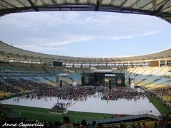Maracanã (Kpparelli) Tags: show brazil music rio rock brasil riodejaneiro dave football amazing concert tour rj stadium january sonic highways música foofighters ff kappa clicks maraca grohl davegrohl footballstadium 2015 chrisshiflett taylorhawkins patsmear williamgoldsmith natemendel ilovemusic kpps estádiojornalistamáriofilho 25dejaneiro estádiomaracanã omaiordomundo errejota templodofutebol franzstahl annecaparelli sonichighways iloveff kapprelli foofighterslovers